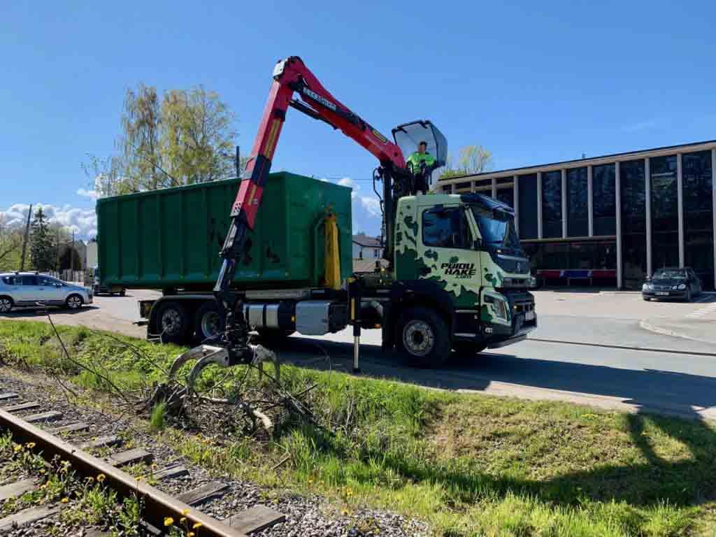Multilift tõstukiga veoauto